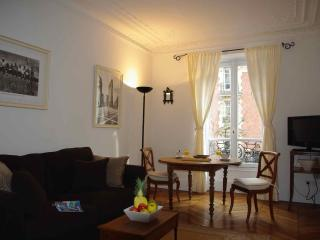 2 Bedroom Rental for up to 6 at Batignolles - Paris vacation rentals