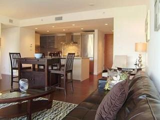 Downtown Victoria Executive Two Bedroom Condo 1 Block To Inner Harbour - Victoria vacation rentals
