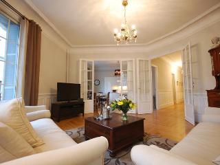Magnificent 'Belle Epoque' 3 Bedroom Apartment - Nice vacation rentals