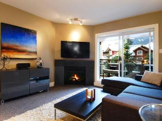 Glacier's Reach Townhome with Private Hot Tub - Whistler vacation rentals