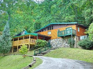 #1 MAJESTIC MEMORIES,20%OFFRATES1.2 miles -Main St - Gatlinburg vacation rentals