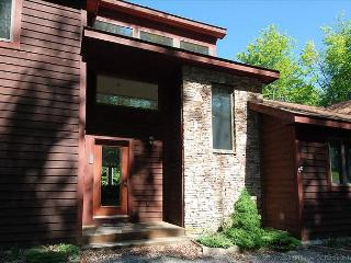 Beautifully Secluded Mountain Home - Canaan Valley vacation rentals