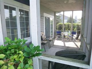 Beautiful Golf Front Condo w/screened in porch! - Lake Geneva vacation rentals