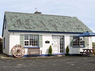 OLD FORGE, family friendly, with a garden in Cleggan, County Galway, Ref 4489 - Clifden vacation rentals