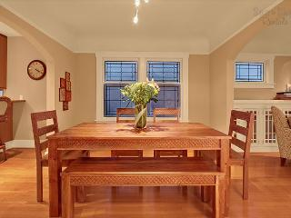Expansive Wallingford bungalow! Incredible views of Lake Union and skyline! - Seattle vacation rentals