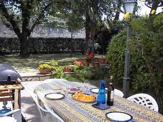 Sansepolcro Garden apartment 3 mins from centre - Sansepolcro vacation rentals
