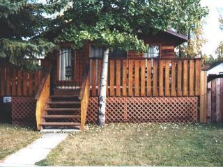 Cozy 2 Bedroom Cedarparkcottage Sylvan Lake (Open) - Alberta vacation rentals