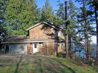 Eagle's Rest, 4 bedroom Waterfront, Pet Friendly - Lummi Island vacation rentals