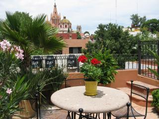 Casa Carolina del Sur.....3bdrm/3bth in Centro - Central Mexico and Gulf Coast vacation rentals