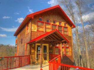 Total Luxury 2 Bdrm 2.5 Bth Sleeps 8 Hot Tub,Wi-Fi - Gatlinburg vacation rentals
