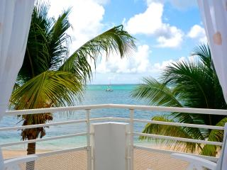 Charming Studio right on the beach in Marigot - Baie Longue vacation rentals