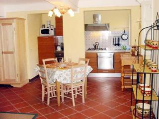 3 Bedroom Apartment Rental in Lucca - Monte San Quirico vacation rentals