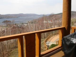 Comfortable 2 Bedroom & 2 Bathroom House in Mont Tremblant (L'Equinoxe | 174-7) - Mont Tremblant vacation rentals