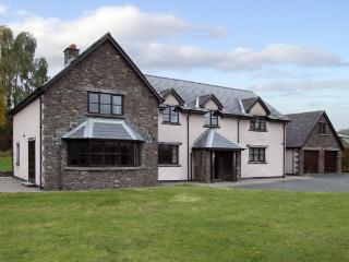 BRYNICH VILLA, family friendly, country holiday cottage, with a garden in Brecon, Ref 4400 - Llangorse vacation rentals