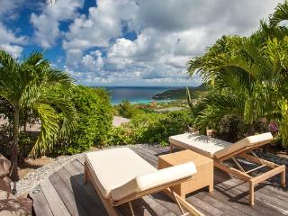 Spectacular villa with indoor/outdoor living area & view over bay WV PAJ - Lurin vacation rentals