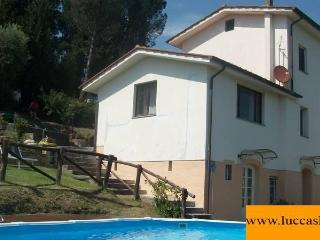 TRIFOGLIO LUCCA stunning view, pool garden private - Lucca vacation rentals