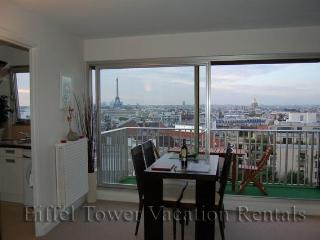 Eiffel Tower Lookout Apartment - Paris vacation rentals