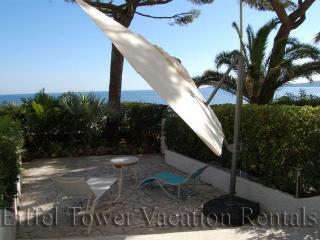 Cannes - Palm Beach Apartment - Chateauneuf de Grasse vacation rentals