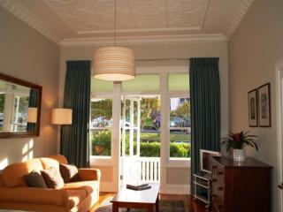 Luxury apartment short term accommodation Auckland - Oneroa vacation rentals