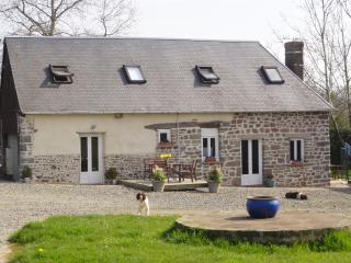2 central co-located 2 bedroom country cottages - Normandy vacation rentals