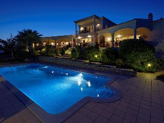 2cc9addc-3536-11e0-a7cb-001ec9b3fb10 - Santa Barbara de Nexe vacation rentals
