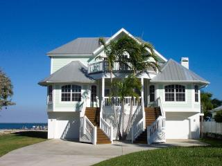 Captiva Bayfront 4 bedroom/4 bath, boat dock, pool - Captiva Island vacation rentals