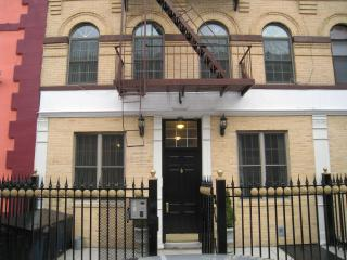 2 Bed Room ground floor with Garden Manhattan - Hastings on Hudson vacation rentals