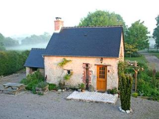 Look - couples only - in heart of 101st D Day zone - Sainte-Mere-Eglise vacation rentals