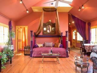 Quiet & Romantic Artist's Cottage, Walk to town! - Woodstock vacation rentals