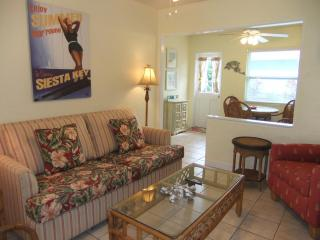 Ebb Tide #2 Siesta Key Gem! Pool, Beach access. - Siesta Key vacation rentals