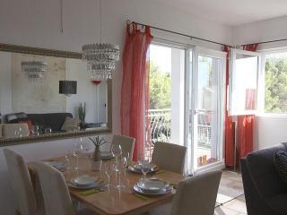 Apartman Lynn - Brac vacation rentals