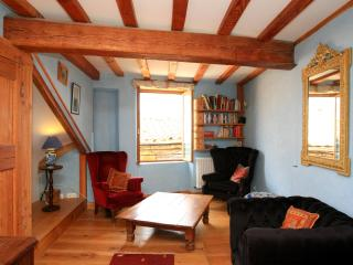 MAISON DE L'EGLISE - A beautiful walk to Rennes - Belvianes et Cavirac vacation rentals