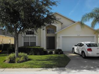 STUNNING FLORIDA VILLA DISNEY GOLF VIEW WIFI. - Haines City vacation rentals