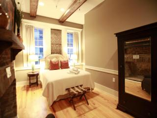 Executive 3 Bedroom in the Heart of Downtown Chas! - Charleston vacation rentals
