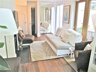 Luxury condo 5m walk to river Thames + free wifi - London vacation rentals