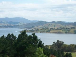 Ah..The Serenity..Stunning Lake Mountain views - Strathbogie vacation rentals