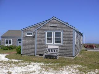 4 Bedroom 3 Bathroom Vacation Rental in Nantucket that sleeps 7 -(9926) - Image 1 - Nantucket - rentals