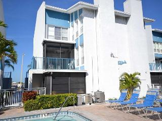 Madeira Beach Yacht Club 337G -  Spacious two-story townhouse with pool view! - Madeira Beach vacation rentals