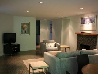 Lawson Creek Garden Suite - West Vancouver vacation rentals