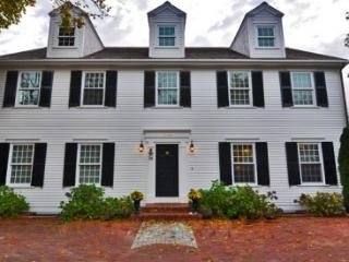 GRAND COLONIAL: LUXURY LIVING IN EDGARTOWN VILLAGE - EDG CBRE-38 - Martha's Vineyard vacation rentals