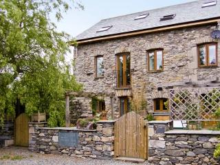 WILLOW BARN, family friendly, luxury holiday cottage, with a garden in Flookburgh, Ref 4534 - Priest Hutton vacation rentals