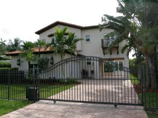 S. Beach Waterfront Mansion - Walk to Everything! - Miami Beach vacation rentals
