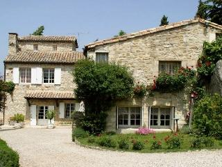 Uzes Country Retreat villa to let in Uzes france, Uzes villa for rent, villas in provence France, holiday villa in Uzes - Caveirac vacation rentals