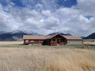 Busby Lane Cabin - Emigrant vacation rentals