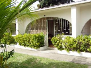 1 BR Condo Sunset Crest St James (5 min to beach) - Saint James vacation rentals
