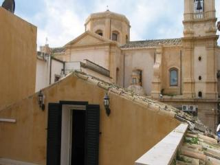 Studio apartment in the heart of Noto's Baroque - Noto vacation rentals