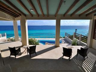 Island Villa UNOBSTRUCTED CARIBBEAN & BAY VIEWS - Isla Mujeres vacation rentals