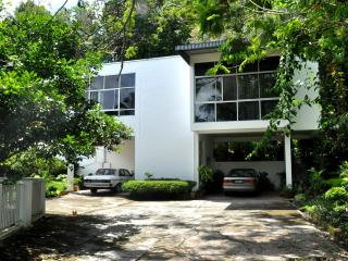 Brahminy Kite Holiday Home. 5 mins from the city - Malaysia vacation rentals