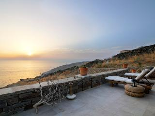 Greek island luxury vacation on private beach VA - Koundouros vacation rentals