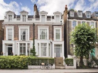 Chelsea 2 Bedroom 2 Bath with GARDEN  (3537) - London vacation rentals